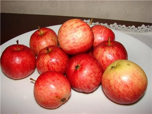 Варенье из целых яблок – коричных и райских – ещё один рецепт моей семьи