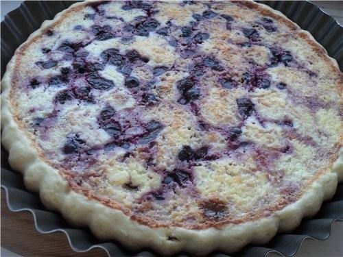 Пирог с творогом и ягодой Приятного аппетита - 3