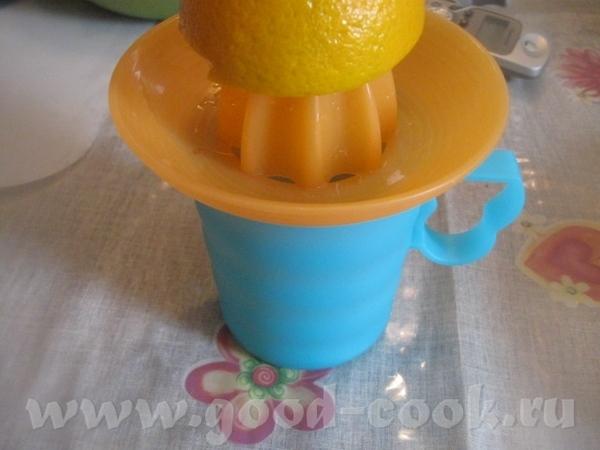 Пока варится курага, выжимаем сок из 3 небольших апельсинов Сока нужно примерно 200 мл ( у меня нем... - 2