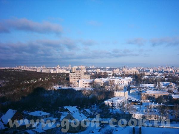 А это вид на заснеженный город Киев