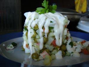 """Делала вчера салатик по мотивам """"Оливье"""" или """"Русского салата"""", как его называют в Америке"""