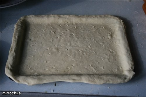 Тесто на Пиццу: 200 грамм муки (правда я ложу до тех пор пока не перестанет прилипать к рукам) 1 ча... - 3