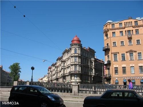 Дом (просто красивый) на канале Грибоедова у Кокушкина моста