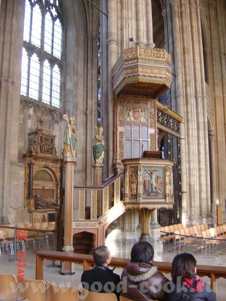 главные действующие лица: король Генрих II, архиепископ Кантерберийский Томас Бекет - 3