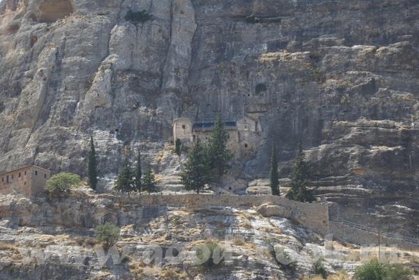Девочки я просто обалдела от висячих монастерей в горах Церковь Роза ветров Амфитеатр Девочки, вот...
