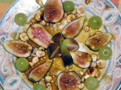 Figues rфties aux mendiants et au caramel йpicй Инжир в пряной карамели