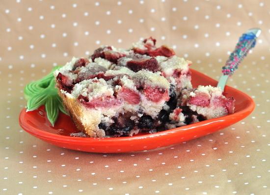 Насыпной пирог с ягодами