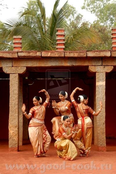 Индийский танец, его рисовала до волчицы - 3
