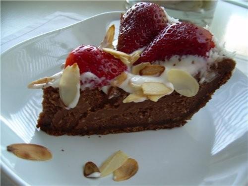 Торт Чизкейк Шоколадный с клубникой - 3