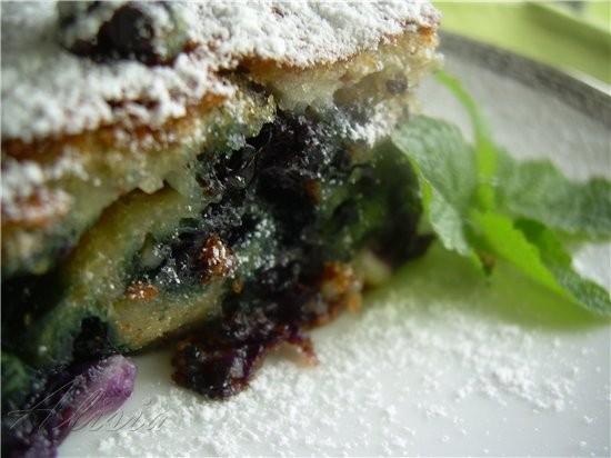 Хочу предложить вам воздушный пирог из ягод, в него можно добавить любую ягоду по вашему вкусу - 3