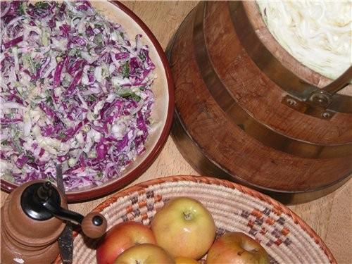 Етот салат является такои же неотьемлемои частью американскои деиствительности как барбекю, SuperBo...