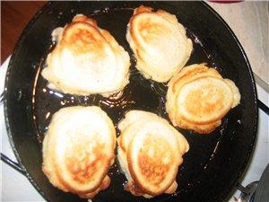 Ленивые беляши (С Кухарки) Кефир или молоко - 1 стакан яйцо - 2 шт сода (гашеная) - 0,5ч - 2