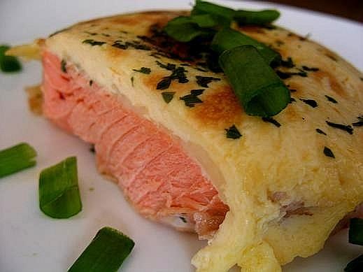 я тож с форелью форель запеченная с сыром (я читала на форумах что рыба не сочетается с сыром