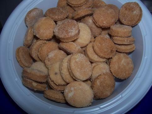 """печенье """"сендвич"""" (рецептик от Карин Горен из книги """"шешет"""") 200гр сливочного масла 100гр сахарной... - 2"""