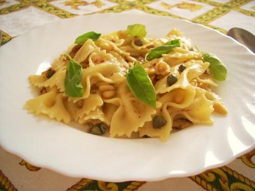 ароматная паста, без излишеств в соусе- легко и лаконично