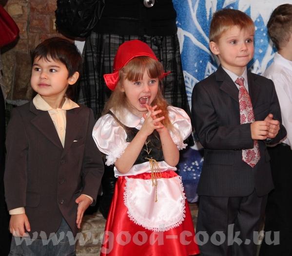 Свой вариант костюма На елке в детском центре На елке в театре Огниво (с женихами ) Завтра еще в са... - 4