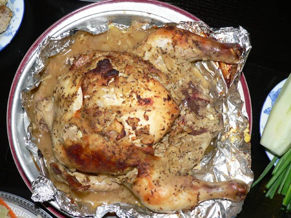 А ето муж нам ням-ням устроил Курица на Таджикский лад замариновал как ногу барана салатик и рис
