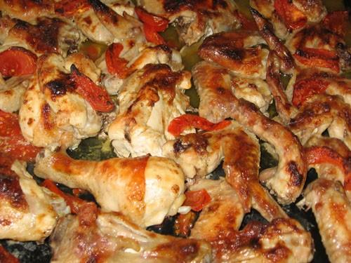 Курица кисло-сладкая с помидорами 1 курица 10 крылышек 3-4 помидора 2 ложки майонеза кисло-сладкий... - 2