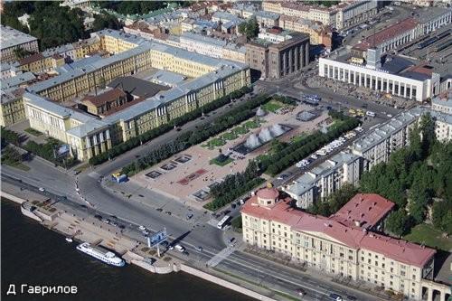 Это новый фонтан у Финляндского вокзала - Ира выставляла много фоток вблизи, а это панорама с высот...