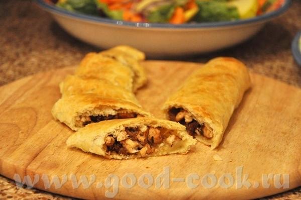 Турецкие пироги с мясом, изюмом и кедровым орешками