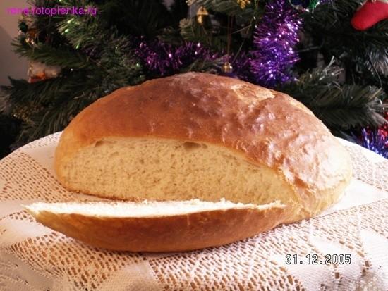 Я очень люблю возится с тестом, особенно с дрождевым, люблю печь пироги а еще очень люблю печь хлеб...