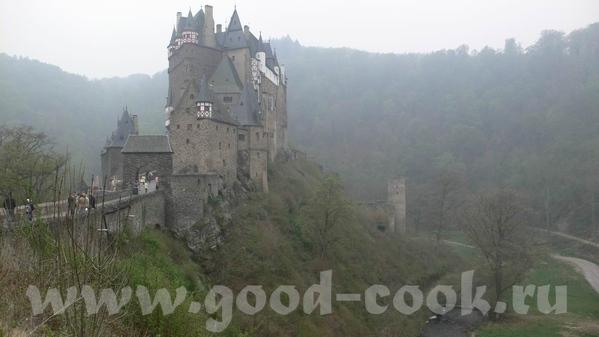 Утро над Мозель: Кохэм, замок на берегу, в утреннем тумане: Замок Эльз, находится немного в стороне... - 6