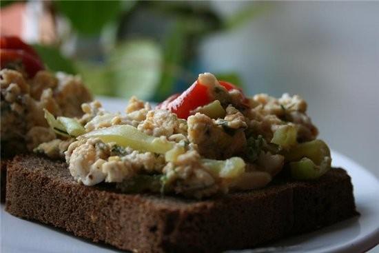 я делала Egg Bhujia Яичная смесь (на завтрак) из темы Cher, Кто сказал, что вегетарианцы едят невку...
