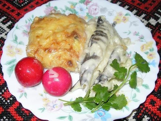 Ледяная рыба, запеченная с картофелем Рыба -500 г Вода – 300 г Соль 1 ч - 2