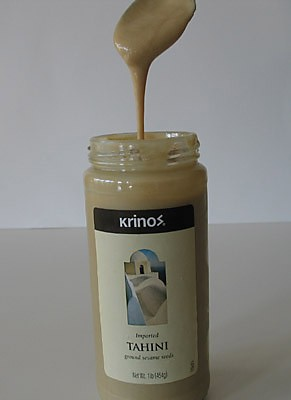 Паста тахини (Tahini paste) - паста из семян кунжута, используется в средиземноморской кухне, в час...