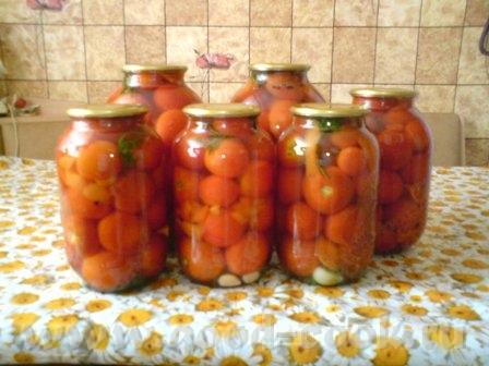 Вот мои помидорчики, храняться прекрасно