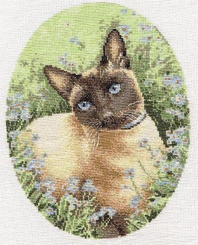 Я вот тоже закончила вышивать эту кошечку буквально на днях