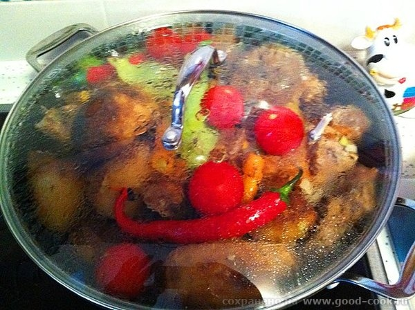 Рецепт прост: обжариваем картофель целиком, вынимаем откладываем посыпаем солью; обжариваем мясо, солим мясо и посыпаем... - 15