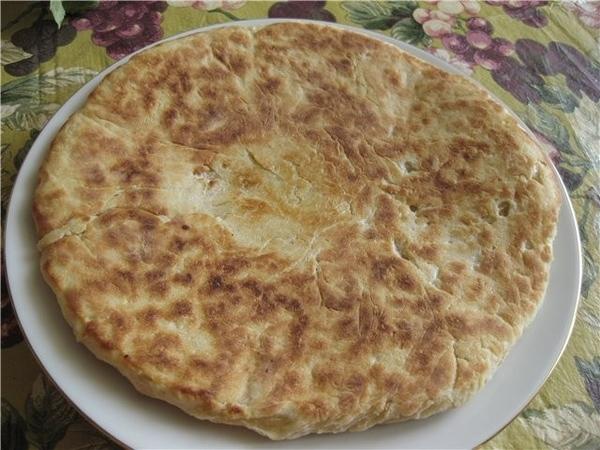 Феселли(ударение на последний слог)-азербайджанские лепёшки кефир-стакан или 0,75 стакана пол пачки...