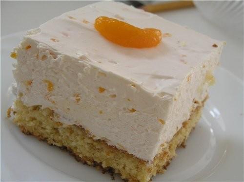 Пирожные с мандаринами и сметанным кремом