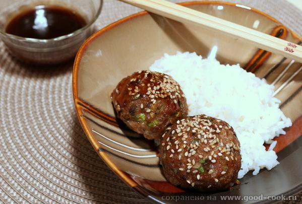 Тефтели из свинины в азиатском стиле.