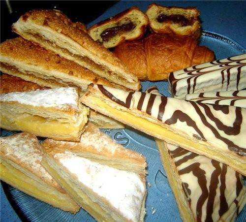 Ну и часть овощей, фруктов с базара пока нет времени печь сладкое, купили готовое: булочки с шокола... - 3