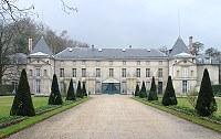 Про Мальмезон нашла только в контексте и Жозефиной и Наполеоном, у них во Франции дворец так называ...