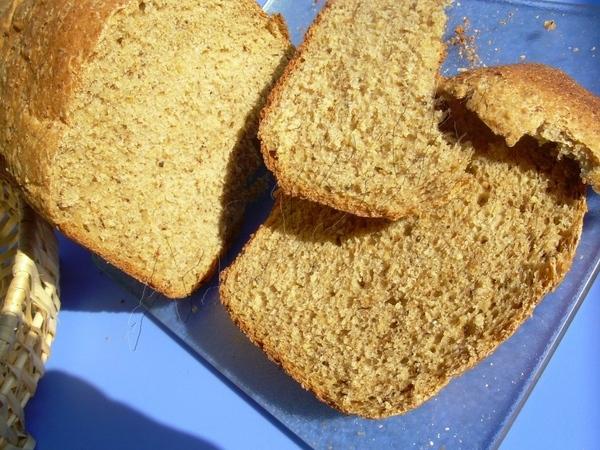 Это необыкновенно ароматный и сытный хлеб, я его готовила в для хлебопечки, на режиме 3 часа 30 мин...