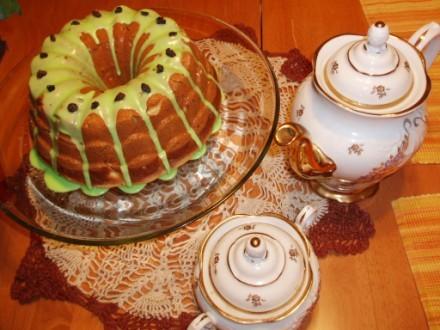А еще к нам ребята пришли,КВН смотреть,так испекла пирог от Инессы с Еврейской темы
