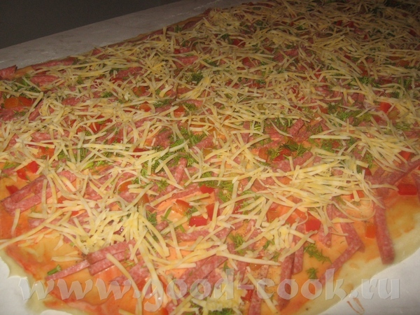 Третьими были мини - пиццы улитка, тож с просторов интернета, вот в процессе приготовления а вот го...