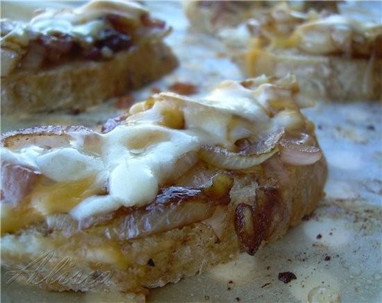 Крут с луком конфи, красным перцем и сыром - 2