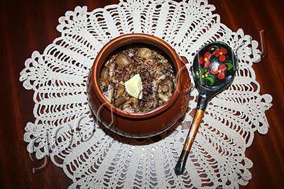 перловая каша с грибами, запеченная в горшочках