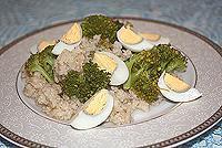 салат из ячневой каши, брокколи и яиц