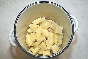 фасолево-картофельные котлеты с пикантным соусом